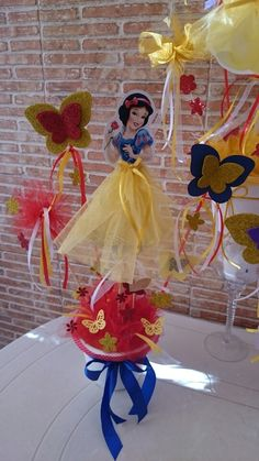 Discover recipes, home ideas, style inspiration and other ideas to try. Princess Theme Party, Disney Princess Party, Princess Birthday, Snow White Centerpiece, Snow White Birthday, Birthday Centerpieces, Bday Girl, Party Time, Birthday Parties