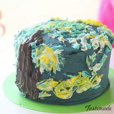Van Gogh Starry Night Cake - Artistically decorated, this sweet masterpiece will definitely leave an impression.