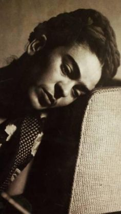 Frida Kahlo - Black and White Photo
