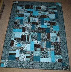 yellow brick road quilt - blue w/extra squares in border