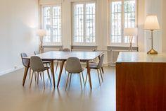Raum für Workshops, Seminare oder Sitzungen zu vermieten Workshop, Dining Chairs, Dining Table, Planer, Furniture, Home Decor, Atelier, Decoration Home, Room Decor