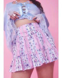 Stage Outfits, Kpop Outfits, Teen Fashion Outfits, Girly Outfits, Casual Outfits, Pretty Outfits, Fashion Clothes, Pastel Goth Fashion, Kawaii Fashion