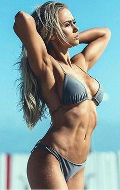 Stunning Ripped Girls from the Gym,Beach and the World of Sports. New Ripped Girls Added Daily Sexy Bikini, Bikini Girls, Mädchen In Bikinis, Bikini Swimwear, Fitness Models, Girl Train, Ripped Girls, Open Air, Pose