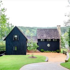 Design Exterior, Black Exterior, Paint Your House, Cottage Exterior, Up House, House With Land, House Painting, Future House, Modern Farmhouse