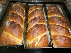 Bucataria Nadinei: Cozonac pufos Romanian Desserts, Romanian Food, Romanian Recipes, Bread Recipes, Cooking Recipes, Pastry And Bakery, Cake Cookies, Food To Make, Dessert Recipes