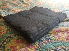 Stress-Reducing Weighted Blanket: 5 Steps (with Pictures) Easy Sewing Projects, Sewing Hacks, Sewing Tutorials, Sewing Ideas, Sewing Tips, Craft Patterns, Sewing Patterns, Gravity Blanket, Crochet Hook Set