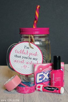 Pink Gift Idea - Inspiration Made Simple DIY Tickled Pink Gift Idea with Free Printable Tags for Teachers, Sisters, Mothers and More!DIY Tickled Pink Gift Idea with Free Printable Tags for Teachers, Sisters, Mothers and More! Secret Sister Gifts, Secret Santa Gifts, Ami Secret, Cheer Sister Gifts, Little Sister Gifts, Cute Cheer Gifts, Tickled Pink Gift, Dance Gifts, Ideias Diy