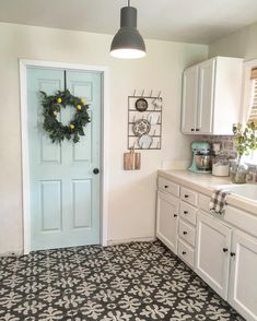 door is whipped mint by behr and walls are cream in my coffee by valspar Like door color for possible color in home Kitchen Paint Colors, Farmhouse Paint Colors, Cottage Paint Colors, Entryway Paint Colors, Farmhouse Decor, Farm House Colors, Modern Farmhouse, Küchen Design, Design Ideas