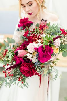 Ruby Red & Vibrant Pink Bouquet|Breathtaking Winter Boho Wedding Inspiration at The Farmhouse|Photographer: Kate Elizabeth Photography