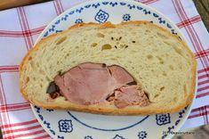 Paine umpluta cu sunca afumata sau ciolan reteta Savori Urbane Bread, Food, Ham, Brot, Essen, Baking, Meals, Breads, Buns