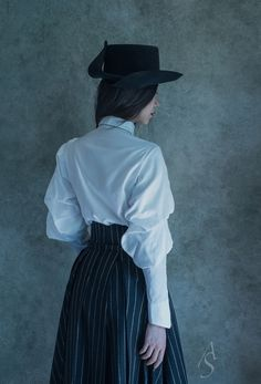 Absurd or exellent Fashion Outfits, Womens Fashion, Fashion Tips, Fashion Design, Fashion Hacks, Yennefer Of Vengerberg, Madame, Costume Design, Vintage Fashion