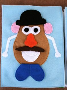 Mr Potoato Head Quiet Book by Lollipops and Rainbows! Adorable DIY felt book that is perfect to help keep those kiddos quiet! Love it.