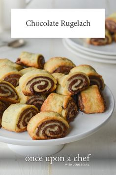 (TESTED & PERFECTED RECIPE) A much-loved Jewish holiday treat, rugelach are miniature pastries posing as cookies. These chocolate rugelach are made by rolling a buttery, flaky dough around a sweet chocolate filling. Cookie Desserts, Just Desserts, Cookie Recipes, Dessert Recipes, Dessert Bread, Rugelach Cookies, Galletas Cookies, Tea Cakes, Cupcakes