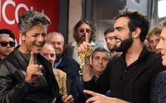 Edicola Fiore: Marco Mengoni conduce Fiorello ( Ottobre 2016 )