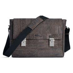 Kork Aktentasche «Preto» von Artipel – Faire Computertasche aus Kork Komfort, Computer, Messenger Bag, Satchel, Bags, Fashion, Creative Things, Creativity, Rainy Weather