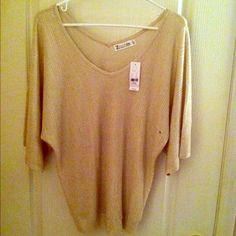 NWT NYandCo V Neck Dolman V Neck Textured Dolman in a beautiful WINTER WHITE with just a touch of sparkle ✨ New York & Company Sweaters V-Necks