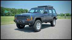 Lifted Cherokee XJ For Sale / Cherokee XJ For Sale / Cherokee Sport — Davis Autosports Modificaciones Jeep Xj, Jeep Wrangler Lifted, Jeep Cherokee Lift Kits, American Restoration, Cherokee Limited, Monster Trucks, Sports, Hs Sports, Sport