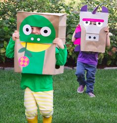 Don't break the bank this Halloween. DIY Paper Bag Costumes from Wee Society makes for good costumes Diy Halloween, Animal Halloween Costumes, Halloween Masks, Diy Costumes, Costume Ideas, Diy Paper Bag, Paper Bag Crafts, Fun Crafts, Diy For Kids