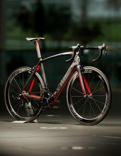 b4876867aa2 S-Works Mclaren Venge w/ Zipp Wheelset Biciklis Felszerelés, Férfi  Kiegészítők, Mountain