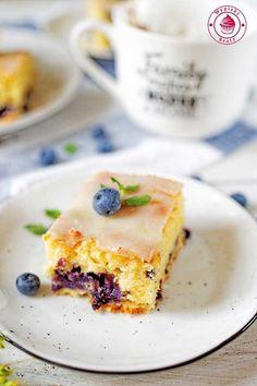 cytrynowy placek z borówkami Polish Recipes, Polish Food, Sweet Recipes, Raspberry, Cheesecake, Good Food, Food And Drink, Lemon, Sweets