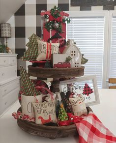 "Becky Handmade Farmhouse Decor on Instagram: ""Seriously, y'all!! Christmas is a'comin'!! Are you ready? I'm not, but I keep plugging away at that looooong list! 😉 Fabric trees and…"" Gingerbread Christmas Decor, Mary Christmas, Christmas Mood, Coffee Table Centerpieces, Christmas Centerpieces, Xmas Decorations, Farmhouse Christmas Decor, Rustic Christmas, Farmhouse Decor"