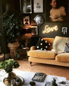 There is a fine balance between maximalist décor and clutter and this eclectic living room has got it spot on. There is a fine balance between maximalist interiors and clutter, so today I'm going to share my tips to help you strike the right balance. Dark Living Rooms, Eclectic Living Room, Home Living Room, Living Room Designs, Living Spaces, Eclectic Decor, Quirky Living Room Ideas, Dark Green Living Room, Dark Rooms