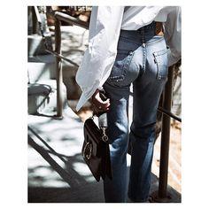 """Evangelie Smyrniotaki auf Instagram: """"Vintage apple, crisp sleeves and awesome piercings. @levis, @baumundpferdgarten and @jw_anderson @matchesfashion respectively."""""""
