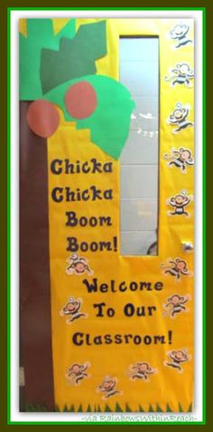 Decorated Classroom Door Chicka Chicka Boom Boom Theme-Pre K 2014 Jungle Classroom Door, Kindergarten Classroom Door, Classroom Themes, Future Classroom, Welcome Door Classroom, Welcome To Kindergarten, Holiday Classrooms, Classroom Displays, Back To School Bulletin Boards