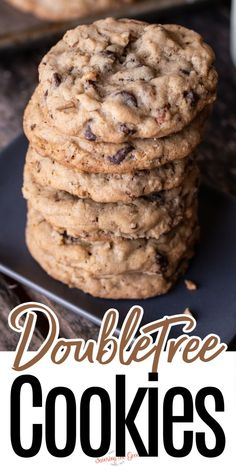 This is the doubletree cookie recipe that Doubletree by Hilton released during that time we were all home during 2020. These are the amazing warm chocolate chip cookies with a touch of oatmeal that you receive arrival at the Doubletree Hotels. Like being on vacation... but at home! Cookie Dough Recipes, Easy Cookie Recipes, Baking Recipes, Easy Recipes, Delicious Recipes, Oatmeal Chocolate Chip Cookie Recipe, Chocolate Chip Cookies Ingredients, Doubletree Cookie Recipe, Hotel Chocolate