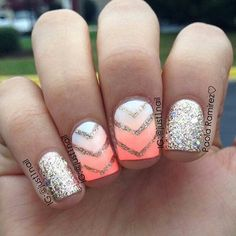 Neon nails with gold glitter summertime nail art designs eye catching summer Gold Glitter Nails, Neon Nails, Gradient Nails, Diy Nails, Chevron Nails, Acrylic Nails, Glitter Top, Manicure Ideas, Gold Sparkle