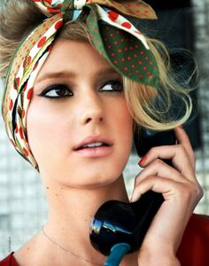 #Trend Hair Styles 2018 Tie Bandana - 26 great Bandana Firsuren with instructions #Ideas #best #Braids #haircut #new #newhairstyles #sexy #Curly #women #hairstyles #short #long #cuts #face #hairstyles #trend#Tie #Bandana #- #26 #great #Bandana #Firsuren #with #instructions