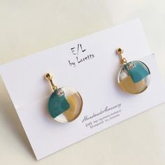 Resin Jewelry Tutorial, Resin Jewlery, Clay Jewelry, Uv Resin, Resin Art, Pearl Earrings Wedding, Resin Flowers, Diy Earrings, Jewelry Patterns