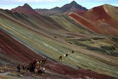 Ausangate trek is a circuit around the tallest mountain in the Cordillera Vilacanota of Peru. Lodge to Lodge