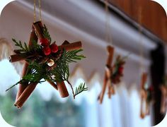 diy~cinnamon stick stars  hanging on a tree would smell so good need: 5 cinnamon sticks, hot glue gun, and glue, and decorations (berries, even artificial berries, pine tree needles, ribbon)