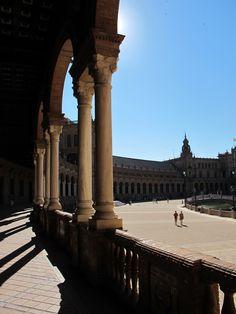 Plaza de Espagna, Sevilla - view from the shadow