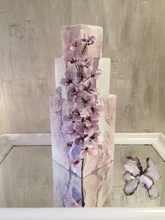 Lilac Cascade Painted wafer paper flowers di Lucia Simeone by Lucia Simeone