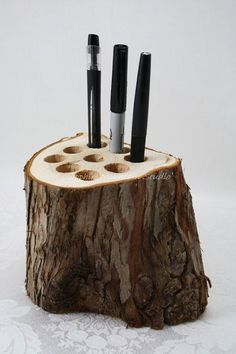 Woodworking is a job, for which one requires to work with precision and skill. Mistakes during woodworking may spoil the whole piece. In woodworking, there are some things, which should be done repeatedly. woodworking jigs are tools, Woodworking Workbench, Woodworking Projects, Diy Projects, Simple Wood Projects, Log Wood Projects, Woodworking Classes, Popular Woodworking, Woodworking Tools, Makeup Holder