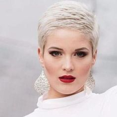 Super-Short-Haircut-Pixie-Cut Sweet and Sexy Pixie Hairstyles for Women Sweet and Sexy Pixie Hairstyles for Women. Pixie haircut is one of the most popular and beloved hairstyles of recent times. Short Grey Hair, Short Hair Cuts, Short Hair Styles, Short Pixie Haircuts, Pixie Hairstyles, Short Cropped Hairstyles, Super Short Hairstyles, Bandana Hairstyles, Retro Hairstyles