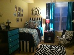 Decor 2 Ur Door dorm room bedding in action! Pick your fabrics and we'll make your txl bed skirts! and bedding!!! Order now!