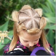 50 Incredible Halloween Hairstyles 50 Incredible Halloween Hairstyles Spider web halo hairstyle – looks so complex but is actually pretty easy! Perfect for Halloween or maybe even crazy hair day at school - 50 Incredible Halloween Hairstyles 50 Incredibl Crazy Hair For Kids, Crazy Hair Day At School, Crazy Hair Days, Ribbon Hairstyle, Hairstyle Look, Halo Hairstyle, Holiday Hairstyles, Halloween Hairstyles, Cindy Lou Who Hair