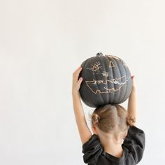 An easy [and reusable!] way to decorate pumpkins this year!