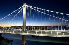 Puente que une San Francisco-Oakland inaugurado en Septiembre del 2013 e iluminado por LEDs #iluminacionled #macroled
