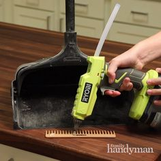 Get more household handy hints by heading to our site! Source by family_handy. - Get more household handy hints by heading to our site! Source by family_handyman - House Cleaning Tips, Diy Cleaning Products, Cleaning Solutions, Deep Cleaning, Spring Cleaning, Cleaning Hacks, Diy Hacks, Household Cleaning Tips, Cleaning Painted Walls