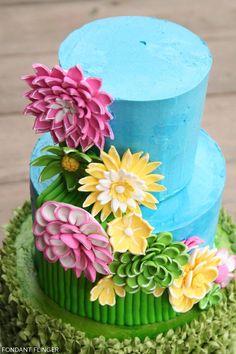 Bright Spring Flowers by Fondant Flinger Fondant Cake Tutorial, Fondant Cakes, Cupcake Cakes, Gorgeous Cakes, Pretty Cakes, Amazing Cakes, Diy Birthday Cake, Spring Cake, Cake Blog