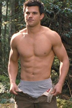 Taylor Lautner in The Twilight Saga: Breaking Dawn - Part 2 - Picture 3 of 51