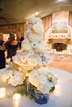 Real Weddings | D.Weddings Bridal Buzz | Wedding Cake | Cake Flowers | Cake Table