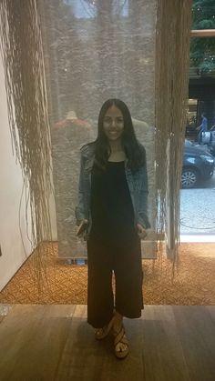 Macacão pantacur +jaqueta jeans bordada.                                     combinação perfeita!!