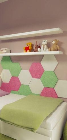 Wizualizacja. Panele Hexa w sypialni dziewczynki. Projekt 2K Architektura.