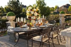 Christmas Decorations, Table Decorations, Houseplants, Your Space, Interior Decorating, Table Settings, Exterior, Furniture, Design