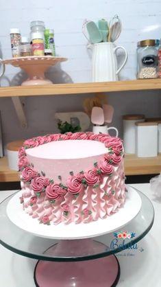 cake decorating videos & cake decorating ` cake decorating videos ` cake decorating techniques ` cake decorating for beginners ` cake decorating tutorials ` cake decorating tips ` cake decorating ideas for beginners ` cake decorating videos amazing Cake Decorating Frosting, Creative Cake Decorating, Cake Decorating Videos, Cake Decorating Techniques, Creative Cakes, Cookie Decorating, Cake Decorating Amazing, Cake Icing Techniques, Cake Decorating For Beginners